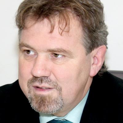doc. dr. Štefan Čelan