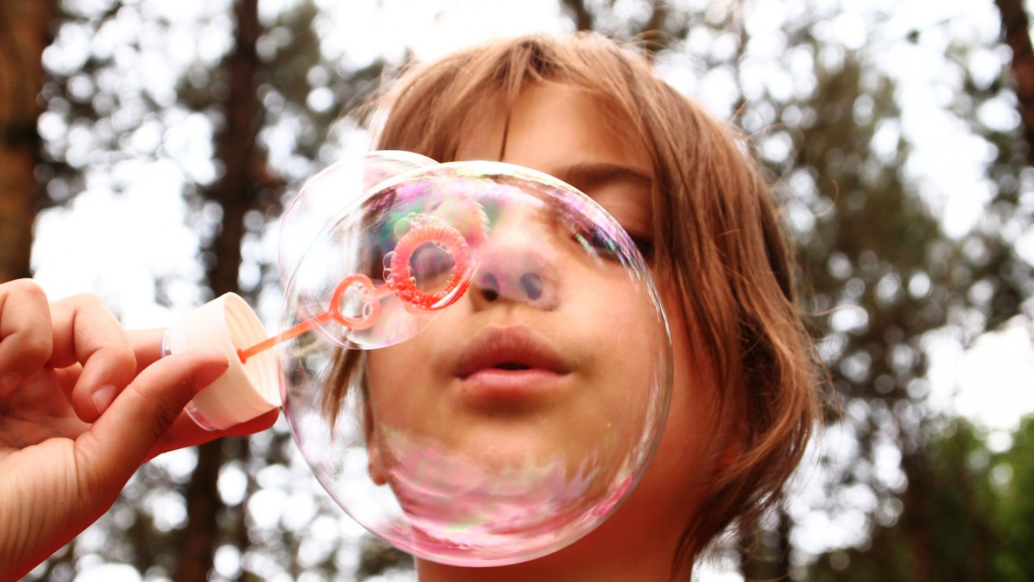 blow bubbles 668950 1920